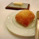 143882162 - 自家製ライ麦パン