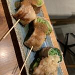Kyoukushiyakimarushoushouten - レタス豚300円、九条ネギ豚300円