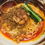 143899202 - すごくシビれる汁なし担担麺(辛さ2)(850円)
