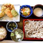 手打そば 吉田家 - 野菜天ぷらセット(950円)