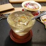 花咲み荼 - 愛玉子(出来たて)  →  ギリギリのラインで、固まった感じで、まさに、瞬間的な、美味であります。