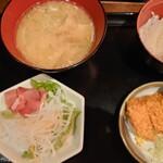 Ton - 豚汁定食880円
