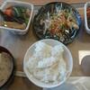 おふくろ亭 - 料理写真:御飯と味噌汁逆だ…カフェテリア方式でチョイス