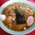 中華そば 味六 - 料理写真:ワンタンメン