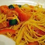 ジョナサン - メインディッシュは夏野菜のトマトスパゲティにする。