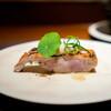 Aca 1° - 料理写真:勝浦の金目鯛の炭火焼き 京都大原の菊芋のピューレ