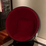 Hakatamotunabeyamanaka - こんなお洒落な椅子もあります 2020/7 by  みぃこのごはん日記