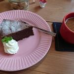 CAFE BONDS - 料理写真: