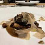 クリマ ディ トスカーナ - ピーチ 対馬イノシシラグー イタリア カルチョフィ  ピーチパスタは今回は猪のラグー(煮込みソース)、トスカーナ地方では普通に家庭料理で食べるそうですが、その味をこちらで再現していただけるのは嬉しいです。 カルチョフィ(アーティチョーク)のほろ苦さが、ラグーソースの濃厚で旨味のある味わいに良いアクセントです♪