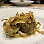 クリマ ディ トスカーナ - 広島本土ジカ 山形伝承大豆 イタリア黒トリュフ 鹿のすね肉を山形の地豆(数種類入ってます)と一緒に炊いた煮込み料理、お肉のホロホロっと崩れる柔らかさに溢れんばかりの美味しさ、やはりここの田舎風の料理が好きだな(^^♪