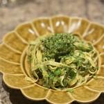 コントルノ食堂 - 料理写真:菊池の小麦粉と卵で作った手打ちパスタをクタクタのブロッコリーで
