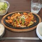 韓国料理 チェゴヤ - 牛ホルモン定食¥900+税