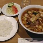 池上苑 - 料理写真:牛肉湯麺定食