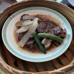 中国料理 桃李 - 牛スペアリブの黒胡椒蒸し