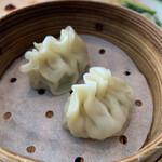 中国料理 桃李 - ふかひれ型蒸し餃子