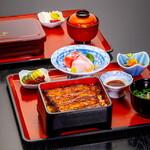 鰻 和処 いづ喜 - 料理写真:鰻重にお刺身と小鉢が付く『定食』が人気です。