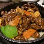 143977363 - 牛肉BBQ黒胡椒炒め