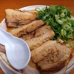 天下一品 - 料理写真:超肉盛りラーメン