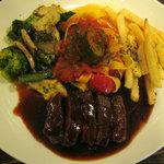 デュボワ - 牛フィレ肉のステーキ マデラソース ¥1800
