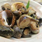 和さび - 本日のおすすめメニューからバイ貝を選びました。薄味で煮含めてあり、美味しいです。