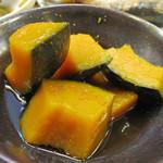 和さび - おばんざいメニューの中から、かぼちゃの煮物。表面に軽く柚子の皮を削ってます。