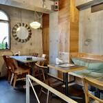 Cm2 Makers - ラフでお洒落なカフェのような店