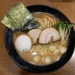 ら~めん のとやま - ラーメンZ¥790 注射式玉子こい味¥130