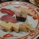 Gyoshouan - 寿司の数々