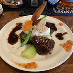 中華バルSAISAI。 - メインの豚肉と季節の野菜の甜麺醤ソースかけ。