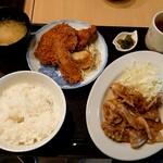 かもめ食堂 - 料理写真:日替り定食(税込800円)生姜焼きとメンチカツ、唐揚げ、なすのフライ、揚餃子  ご飯は中