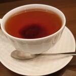 森のらくだ - ロシアンティー(ダージリン+手作りジャム)ジャムは別添えでも良い位、紅茶の香りが高いです!