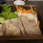 御客屋旅館 - 和牛の蒸篭蒸しは、温泉料理の定番ですね
