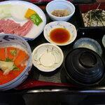 悠流里 - 村上牛陶板焼き鮭親子丼セット