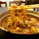 一八本店 - みそ煮込みの「麺」(ボケボケ)
