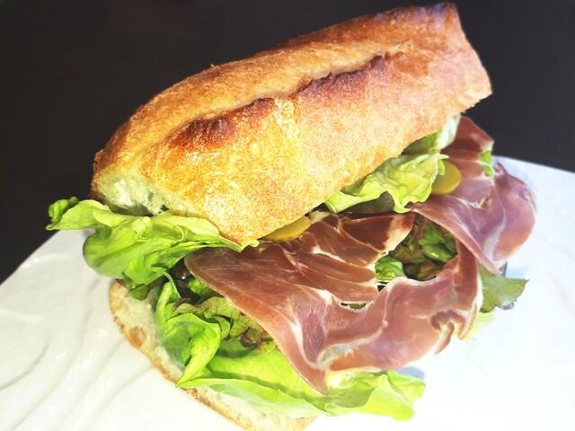 クロンヌ ド ローズの料理の写真