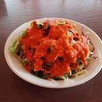 クルサーニ蒲郡 - セットのサラダ  このオレンジ色のドレッシングが美味しいです