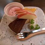 和×伊 大衆酒場カランコロン - 料理写真:ガトーショコラ