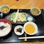 麺料理 ひら川 - 天ぷら定食