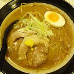 麺屋 マルニ - 味噌ラーメン 750円