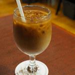 144053893 - ボキが注文したのは、アイスカフェオレ450円。                       苦味と酸味がちょうどよくて後味がさっぱり。                       ボキ好みの珈琲です。
