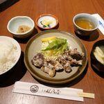 元祖くじら屋 - 鯨から揚げ定食(ごはん大盛無料) 980円