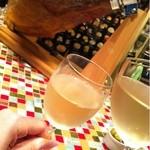 バル・イスパニヤ - グラスが小さい(^◇^;)