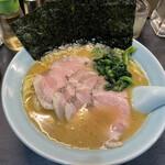 横濱家系ラーメン うめ鬼 -