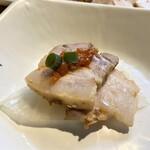 プロカンジャンケジャン - ボッサム 茹で豚に味噌と白菜の酢漬けを巻いていただきます。