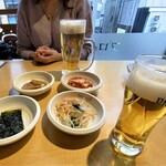 プロカンジャンケジャン - 韓国料理らしく最初に、キムチ・韓国海苔・ナムル・蓮の煮物が出ます♪