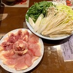 144075270 - 地鶏水炊き鍋 2人前 2592円                       (夜のみ、予約必須)