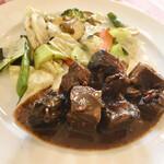 かもめグリル - 料理写真:ワンプレートにビーフシチューとグリル野菜