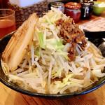 """三代目麺処まるは極 - """"濃厚G郎麺""""野菜増し&麺少なめ(800円)"""