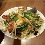 鶏舎 - レバニラ炒め