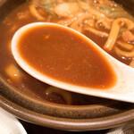 144086015 - 【2020年12月】味噌煮込みうどん、スープアップ。